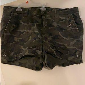 NWT Torrid Camo shorts